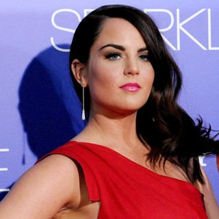 JoJo in The Los Angeles Premiere of Sparkle - Inside Arrivals