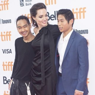 Maddox Jolie-Pitt, Angelina Jolie, Pax Jolie-Pitt in 42nd Toronto International Film Festival - First They Killed My Father - Premiere