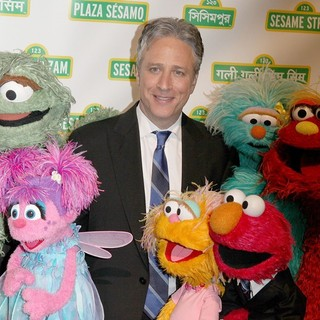Jon Stewart in Sesame Workshop's 10th Annual Benefit Gala - jon-stewart-sesame-workshop-s-10th-annual-benefit-gala-01