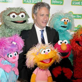 Jon Stewart in Sesame Workshop's 10th Annual Benefit Gala - jon-stewart-sesame-workshop-s-10th-annual-benefit-gala-02