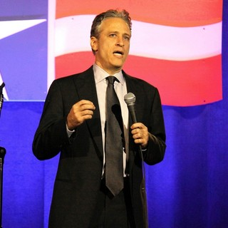 Jon Stewart Performing at The Bob Woodruff Stand-Up for Heroes Gala - jon-stewart-stand-up-for-heroes-gala-02