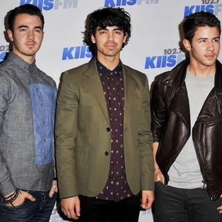 Jonas Brothers in KIIS FM's Jingle Ball 2012 - Arrivals - jonas-brothers-jingle-ball-2012-02