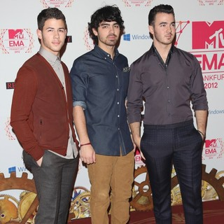 Jonas Brothers in The MTV EMA's 2012 - Arrivals