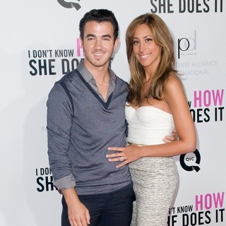 Kevin Jonas, Danielle Deleasa in New York Premiere of I Don't Know How She Does It - Arrivals