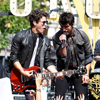 Nick Jonas, Joe Jonas, Jonas Brothers in Jonas Brothers performing live on stage at The Grove