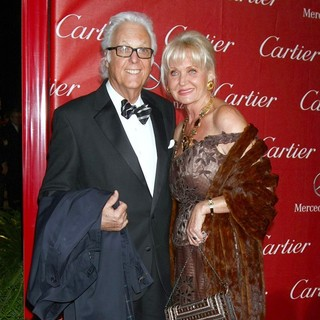 Jack Jones, Eleonora Jones in 24th Annual Palm Springs International Film Festival Awards Gala - Red Carpet