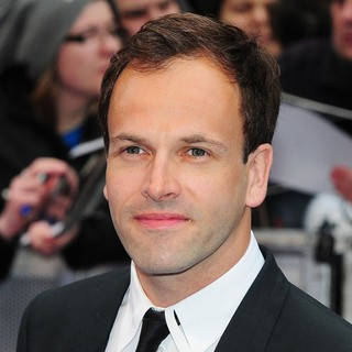 Jonny Lee Miller in UK Premiere of Dark Shadows - Arrivals