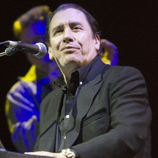 Jools Holland in Jools Holland Performing Live