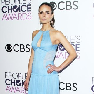 Jordana Brewster-People's Choice Awards 2017 - Press Room