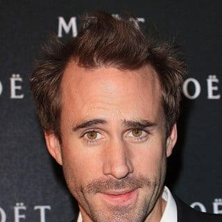 Joseph Fiennes in Moet and Chandon: A Tribute to Cinema