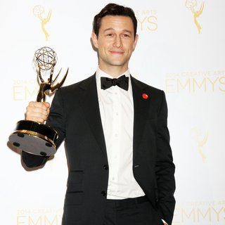 Joseph Gordon-Levitt in 2014 Creative Arts Emmy Awards - Press Room - joseph-gordon-levitt-2014-creative-arts-emmy-awards-press-room-03