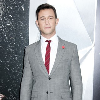 The Dark Knight Rises New York Premiere - Arrivals - joseph-gordon-levitt-premiere-the-dark-knight-rises-06