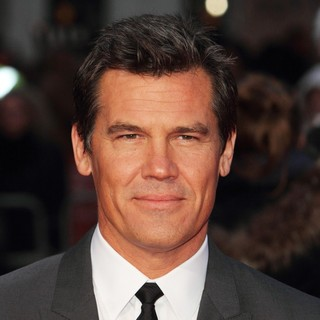 57th BFI London Film Festival - Labor Day Premiere - Arrivals - josh-brolin-57th-bfi-london-film-festival-01