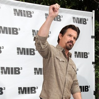 Josh Brolin in Men in Black 3 Photocall