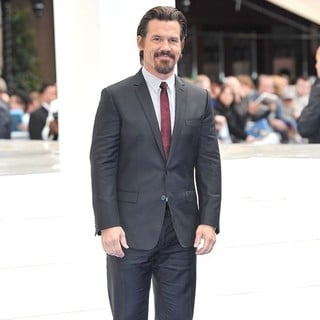 Josh Brolin in Men in Black 3 - UK Film Premiere - Arrivals - josh-brolin-uk-premiere-men-in-black-3-06