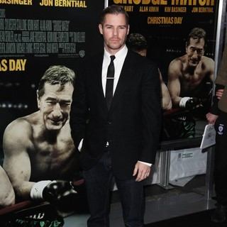 Josh Cowdery in Grudge Match New York Screening - Red Carpet Arrivals