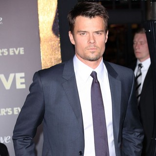 Josh Duhamel in Los Angeles Premiere of New Year's Eve