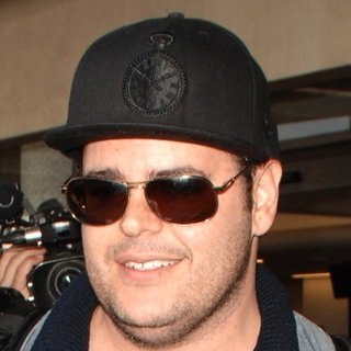 Josh Gad Arrives at Los Angeles International Airport