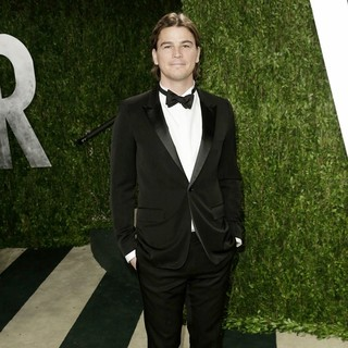 Josh Hartnett in 2013 Vanity Fair Oscar Party - Arrivals - josh-hartnett-2013-vanity-fair-oscar-party-02