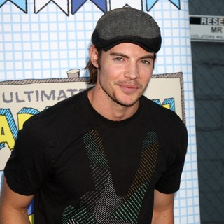 Josh Henderson in The 2010 Ultimate Slam PaddleJam Celebrity Ping Pong Tournament