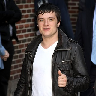 Josh Hutcherson in Celebrities Arrive at The Ed Sullivan Theater to Appear on The Late Show with David Letterman