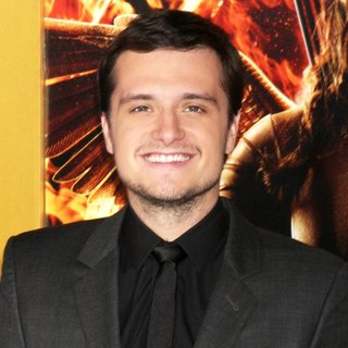 Josh Hutcherson in Los Angeles Premiere of The Hunger Games: Mockingjay, Part 1 - Arrivals - josh-hutcherson-premiere-mockingjay-part-1-01
