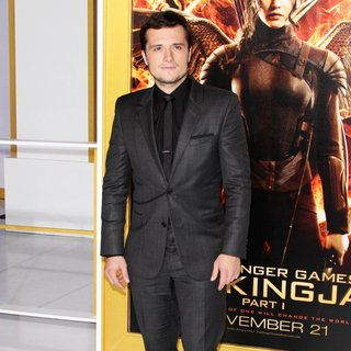 Josh Hutcherson in Los Angeles Premiere of The Hunger Games: Mockingjay, Part 1 - Arrivals - josh-hutcherson-premiere-mockingjay-part-1-02