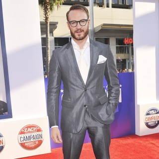 Josh Lawson in Los Angeles Premiere of The Campaign - Arrivals