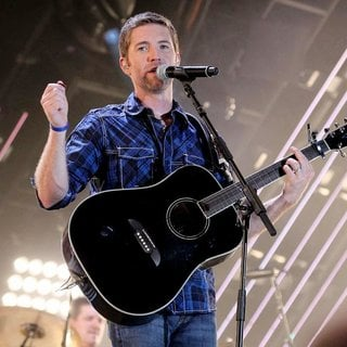 Josh Turner in CMA Music Festival Nightly Concerts - Day 3 - josh-turner-cma-music-festival-nightly-concerts-03