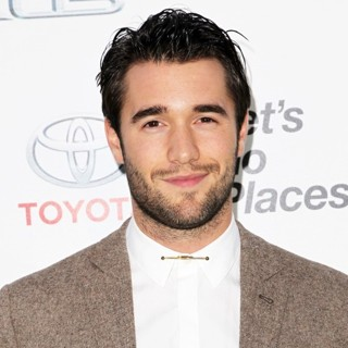Joshua Bowman in 2014 Environmental Media Awards Presented by Toyota and Lexus