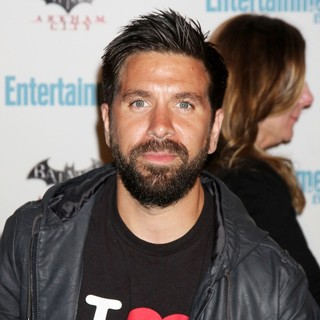 Joshua Gomez in Comic Con 2011 Day 3 - Entertainment Weekly Party - Arrivals