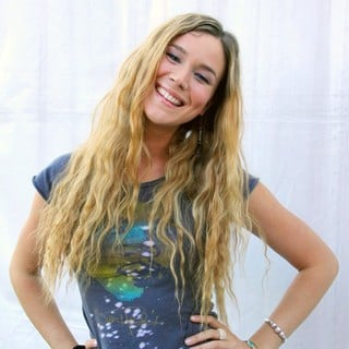 Joss Stone in Joss Stone Signing Autographs