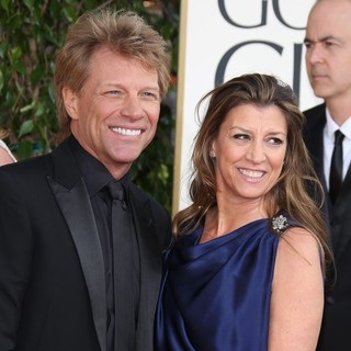 Jon Bon Jovi, Dorothea Hurley in 70th Annual Golden Globe Awards - Arrivals