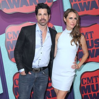 JT Hodges in 2014 CMT Music Awards - Arrivals