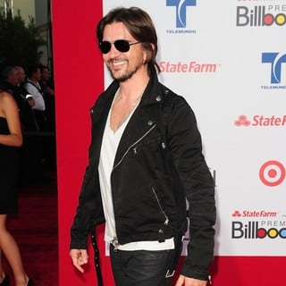 Billboard Latin Music Awards 2012 - Arrivals