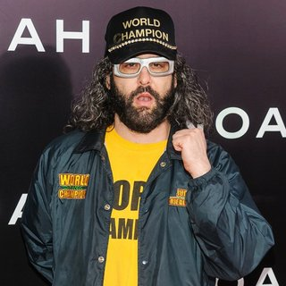 Judah Friedlander in Noah New York Premiere - judah-friedlander-premiere-noah-01