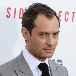 Jude Law in New York Premiere of Side Effects - jude-law-premiere-side-effects-01