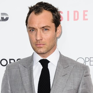 Jude Law in New York Premiere of Side Effects - jude-law-premiere-side-effects-02