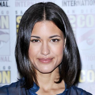 Julia Jones in Comic Con 2011 - Day 1 - Twilight Breaking Dawn Part I Press Conference - Arrivals