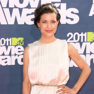 Julia Jones in 2011 MTV Movie Awards - Arrivals