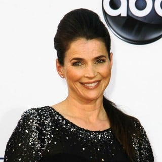 Julia Ormond in 64th Annual Primetime Emmy Awards - Arrivals - julia-ormond-64th-annual-primetime-emmy-awards-01