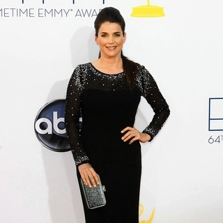 Julia Ormond in 64th Annual Primetime Emmy Awards - Arrivals - julia-ormond-64th-annual-primetime-emmy-awards-03
