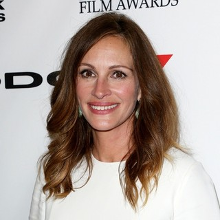 Julia Roberts in The 17th Annual Hollywood Film Awards