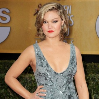 Julia Stiles in 19th Annual Screen Actors Guild Awards - Arrivals - julia-stiles-19th-annual-screen-actors-guild-awards-01