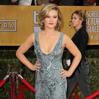 Julia Stiles in 19th Annual Screen Actors Guild Awards - Arrivals