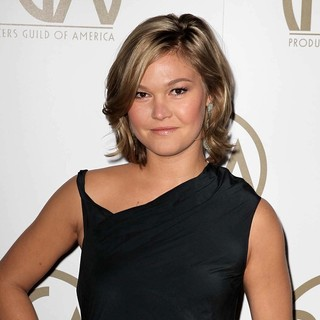 Julia Stiles in 24th Annual Producers Guild Awards - Arrivals