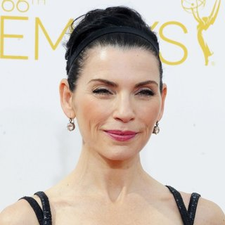 Julianna Margulies in 66th Primetime Emmy Awards - Arrivals - julianna-margulies-66th-primetime-emmy-awards-03