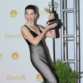 Julianna Margulies in 66th Primetime Emmy Awards - Press Room - julianna-margulies-66th-primetime-emmy-awards-press-room-03