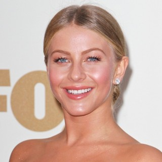 Julianne Hough in The 63rd Primetime Emmy Awards - Arrivals
