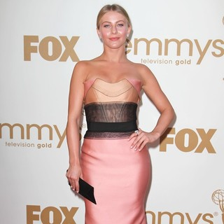 Julianne Hough - The 63rd Primetime Emmy Awards - Arrivals